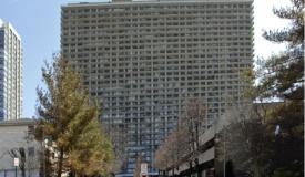 בגלל מעלית שבת: חרדים תובעים את הבניין