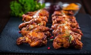 כנפיים צלויות בתנור שכל אחד צריך לדעת להכין - מנה ב-3 מרכיבים שכל אחד צריך לדעת להכין
