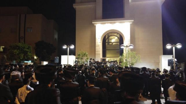 ההמונים בהלוויה