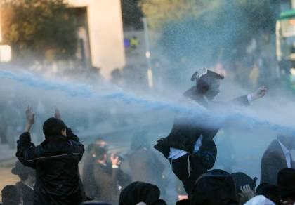 בהפגנה: 'נאצים' ובואש, חסימות ומעצרים