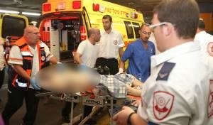 הפצועים מגיעים לבית החולים