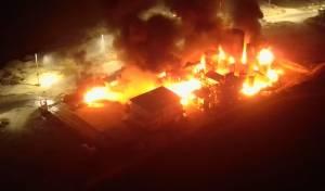 שריפה פרצה במפעל למחזור דלקים; תיעוד