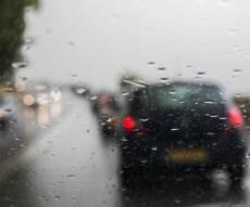 צפו בגשם הסוער בחולון - גשמים עזים מלווים בברד ברוב חלקי הארץ