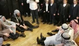 צפו: 'מסתערבים' בחתונת בן סגן השר פרוש