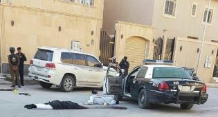 שוטר סעודי חיסל שני מחבלים מסוכנים. צפו