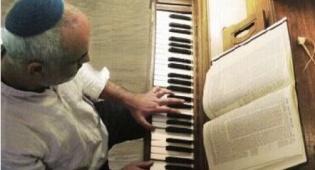 """ביקורת מוזיקה: """"שירים אארוג"""" - אלי דויטש"""