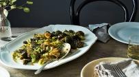 ברוקולי פריכים ומעולים - ליד העיקרית: ברוקולי פריכים וחמוציות בתנור