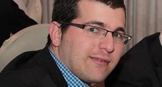 אבי גרינצייג. ארכיון - אבי גרינצייג מונה לעורך הראשי של 'קו עיתונות'
