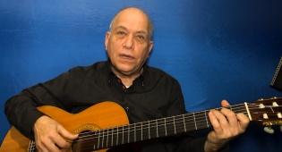 אבי ברק מלמד אתכם גיטרה עם שיר לפורים