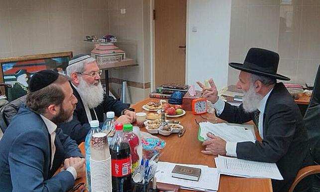 הרב ראובן אלבז עם אלי בן דהן
