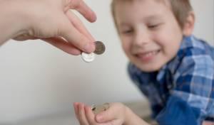 איך מדברים עם ילדים על כסף בלי לגרום נזק