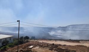 """תושבי """"אש קודש"""" פונו מבתיהם בשל האש"""