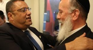 דייטש וליאון נפגשים באולפן כיכר השבת