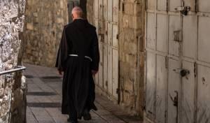 הקשיש היהודי הפתיע: 'הייתי כומר 50 שנה'