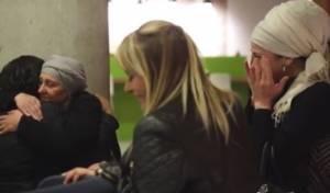 """המפגש המרגש בין כל בני המשפחה המתאחדת - """"ורדה פוקס"""" מצאה את משפחתה התימנית • צפו"""