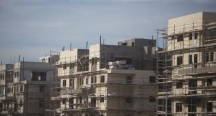 """""""מחיר למשתכן"""": 1,700 דירות  ללא זוכים"""