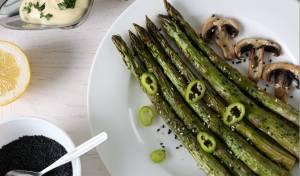 אפשר לשמור על המשקל גם בשבת: אספרגוס קלוי עם שום ושומשום