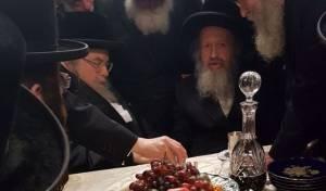 הרבי מבעלזא בלונדון, היום, עם הרב פאדווא