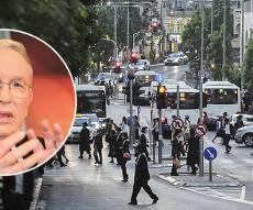 """ירון לונדון והרחוב הראשי של בני ברק - ירון לונדון מעריץ את החרדים על """"הצניעות"""""""