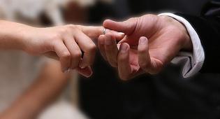 אילוסטרציה - בית הדין חשף: ה'רב' המחתן התגלה כשקרן