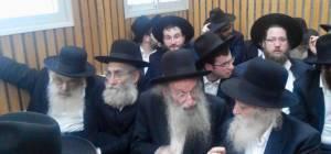 """הרבנים באולם ביהמ""""ש - רבני 'הפלג' התייצבו בביהמ""""ש - לצד העריק"""