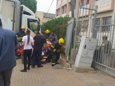 זירת התאונה, אתמול - התפללו: אברך חסידי נמחץ על-ידי משאית