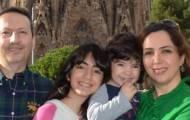 הרופא החשוד, עם בני משפחתו