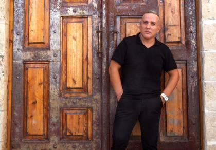"""יניב בן משיח בסינגל קליפ חדש: """"לאהוב"""""""