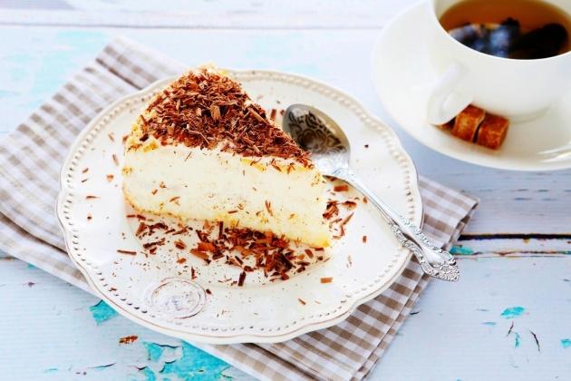 חלומית. עוגת גבינה ותלתלי שוקולד