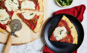 פיצה על בסיס כרובית - בריאה יותר ומשמינה פחות - לא תרגישו: פיצה בריאה יותר ומשמינה פחות