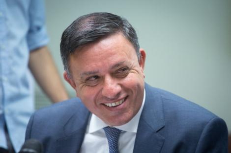 אבי גבאי - גבאי מרוצה: כולם מתעסקים בממשלה שלי
