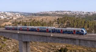 הרכבת החשמלית החדשה יצאה לדרך • צפו