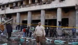 זירת הפיגוע סמוך לאוניברסיטת קהיר