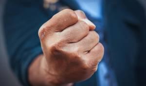 תביעת פיצויים נגד צעיר שתקף יהודי בי-ם