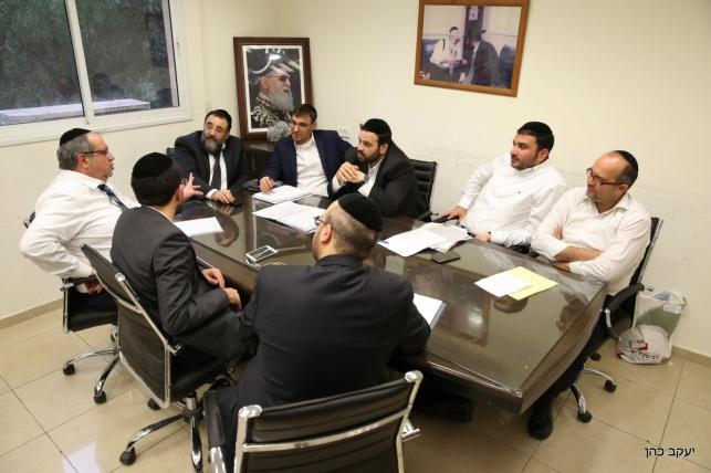 צוות העוזרים בישיבה