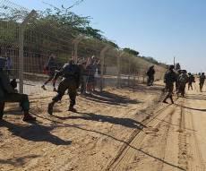 אילוסטרציה - נס בגבול: 4 מחבלים נתפסו עם רימון וסכינים
