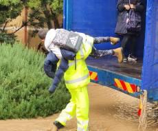 ילדים חולצו מבית ספר עם טרקטור ומשאית