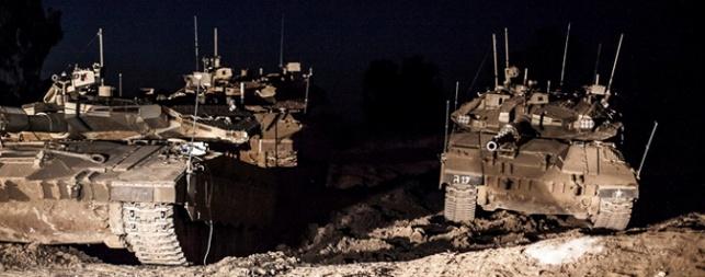 החלה הפעולה הקרקעית בעזה; הפלסטינים: עשרות נפגעו