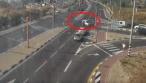 הרכב פונה בצומת, הילד שלא היה חגור - עף