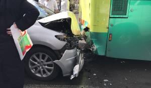 זירת התאונה - חרדי נפצע קשה בתאונה במרכז ירושלים