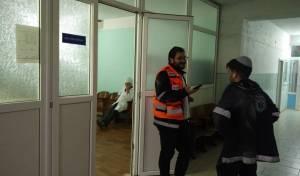 צוות האמבולנס בבית החולים המקומי באומן