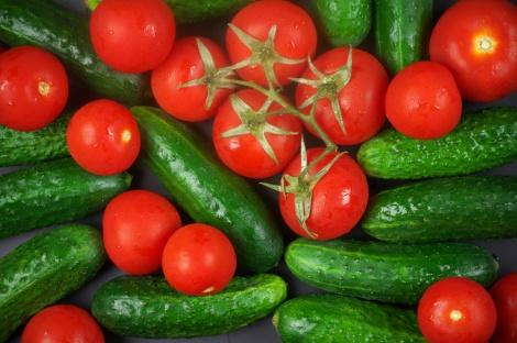 בגלל גל החום: עודף בפירות ומחסור בירקות