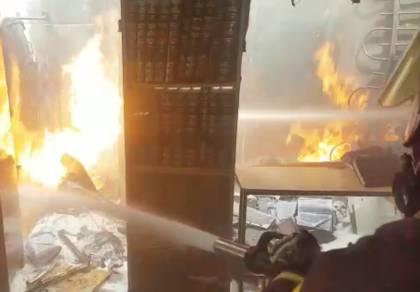 הלהבות בתוך בית הכנסת - שריפה בבית שמש; בית כנסת עלה בלהבות