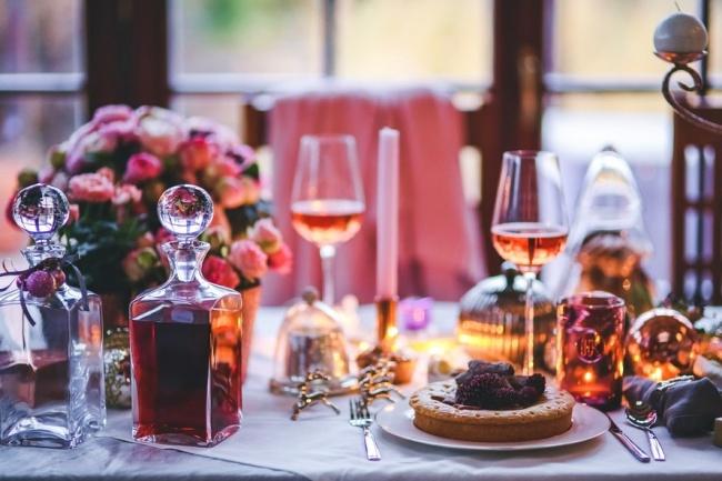שולחן חג קוצר מחמאות