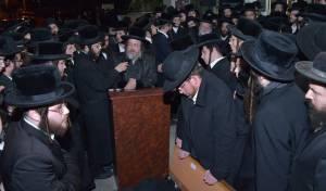 מסע הלוויה לרבנית הצדקנית מקרעטשניף
