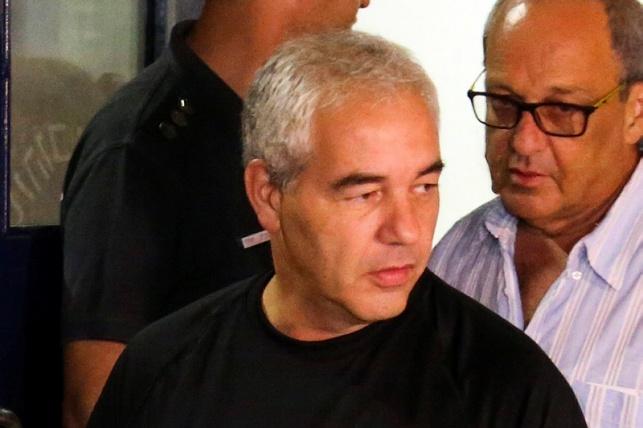 רונאל פישר הפר את תנאי מעצר הבית?