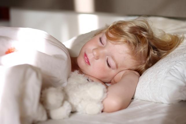 הילד מסרב לישון אחר הצהריים? הנה הגורמים והפתרונות לדבר