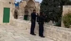 צפו: שוטרים הפילו רחפן שטס ליד הר הבית