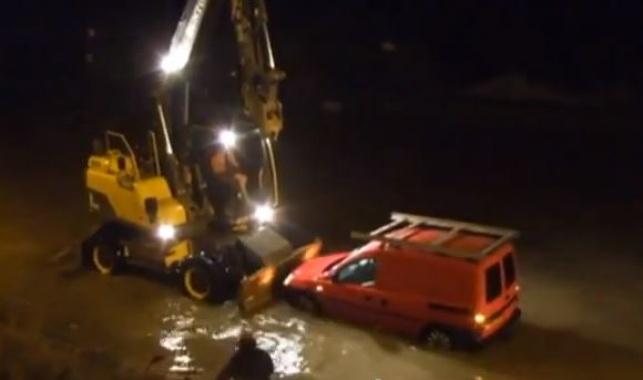 בריטניה: חילוץ דרמטי בעין הסערה
