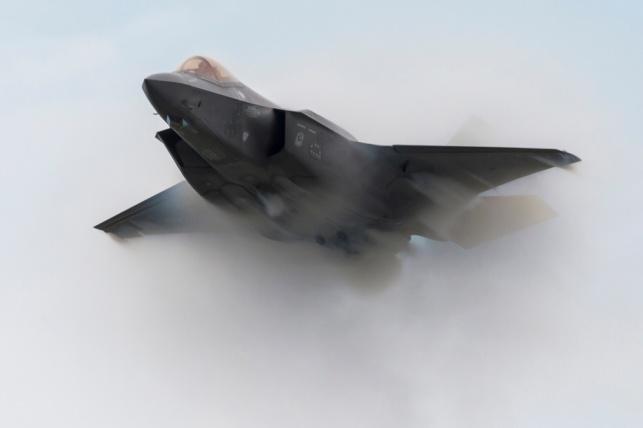 ביידן משהה את מכירת מטוסי הF-35 לדובאי